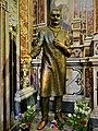 Statua Bronzea di S. Giuseppe Moscati, opera di Pier Luigi Spolesa.jpg