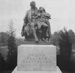 Thomas Hopkins Gallaudet - Statue of Alice Cogswell and Thomas Hopkins Gallaudet.