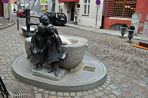 Stralsund, Fährstraße, Brunnen (2012-03-11), by Klugschnacker in Wikipedia.jpg