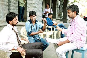 Eega - Sudeep (left), Nani (middle), and Rajamouli during filming