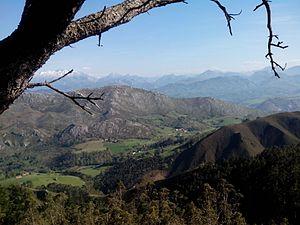 Sueve y Picos de Europa.jpg