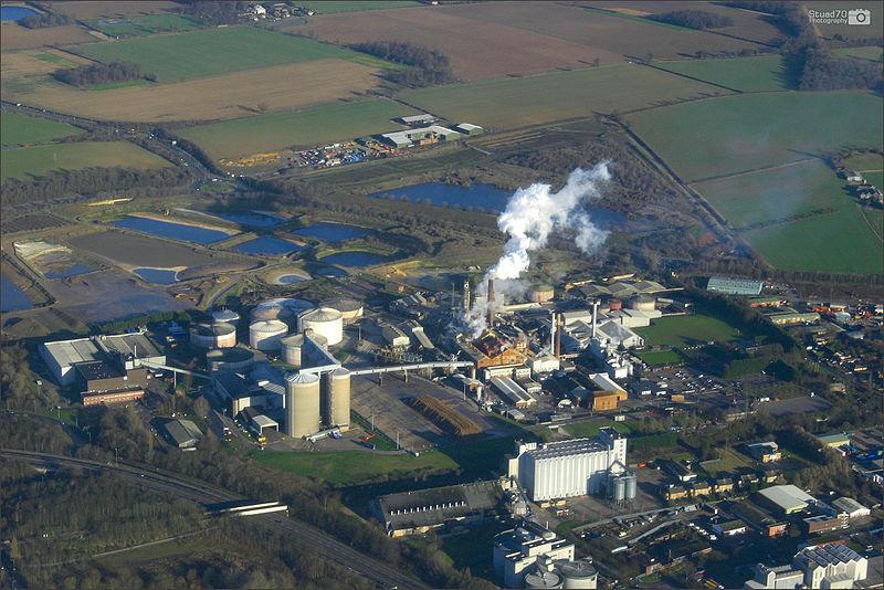 800px-Sugar_Beet_Factory%2C_England.jpg
