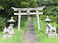 Sugou Shinto shrine approach to a shrine.JPG