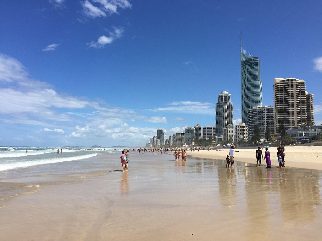 Surfers Paradise beach, Queensland 04