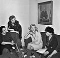Sylvi-Kekkonen-with-writers-1962.jpg