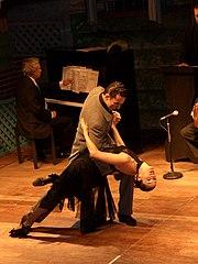 Um espetáculo de tango, em meio a um desfile de Moda em Manaus, 2006.