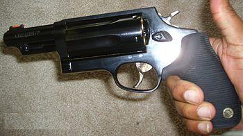 Taurus 4410 4510 Judge Wikipedia La Enciclopedia Libre