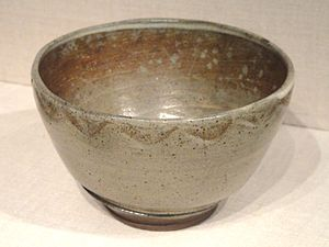 Asahi ware - Asahi stoneware tea bowl with wood-ash glaze, Edo period, 18th century