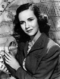 Black-and-white publicity photo of Teresa Wright.