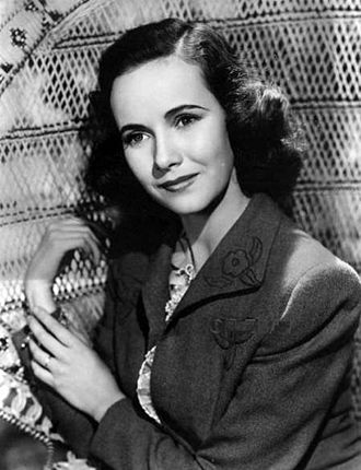 Teresa Wright - Publicity portrait for Mrs. Miniver (1942)