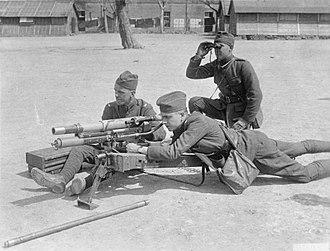 Canon d'Infanterie de 37 modèle 1916 TRP - American troops train with a 37 mm Infantry gun, May 1918