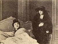 The Idle Class (1921) - Chaplin & Purviance 2.jpg