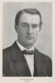 Thoralf Klouman - portrettfoto i Vaarkatten 1917.png