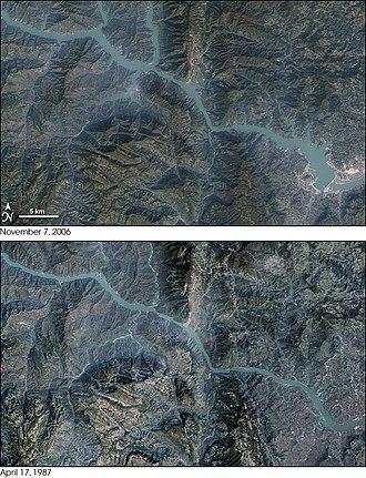 Non-renewable resource - Image: Three Gorges Dam Landsat 7