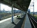 Tobu-railway-nikko-line-Kurihashi-station-platform.jpg