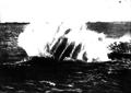 Torpedo inglés en el agua 1914.png