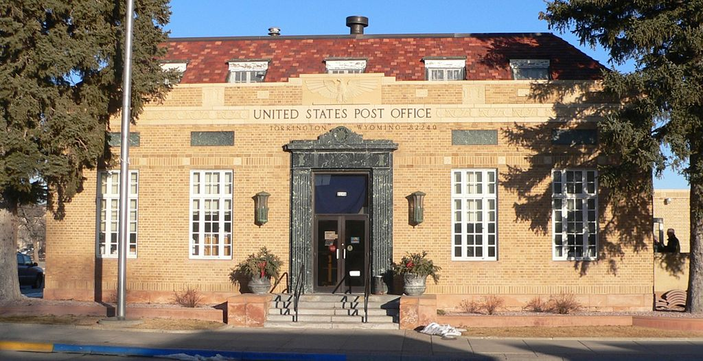 Torrington, Wyoming post office from W 1.JPG