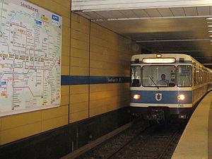 Sendlinger Tor (Munich U-Bahn) - U6 arriving at Sendlinger Tor station.