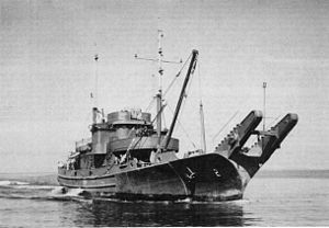 Aloe-class net laying ship - USS Ash (AN-7) showing unique bow appliances of this class