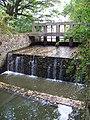 Uhříněves, Podleský rybník, výpusť.jpg