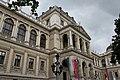 Universitaet Wien Hauptgebaeude Facade 7.jpg