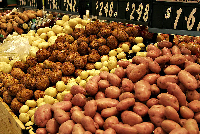 Slika:Various types of potatoes for sale.jpg