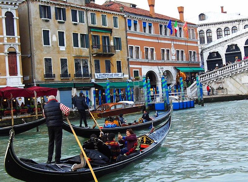 File:Venedig Rialto - panoramio (12).jpg
