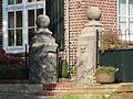Vierlingsbeek - Leeuwen van Makken ingemetseld in de tuinpoort van de Staaij.jpg