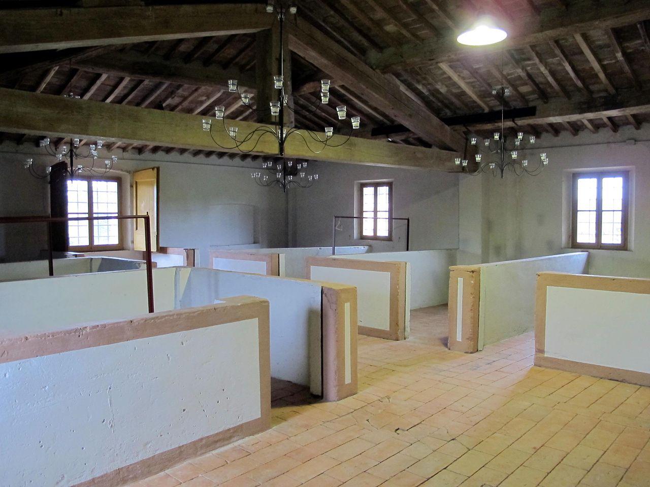 File villa niccolini di camugliano granaio 04 jpg wikipedia for Piani di fattoria del granaio