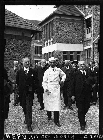 File:Villejuif-Inauguration de l'Institut du Cancer-1934 (6).jpg