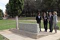 Visita al monument a les victimes del nazisme.jpg