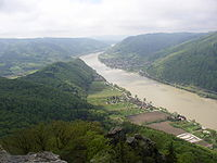 Wachau west of Aggstein.JPG