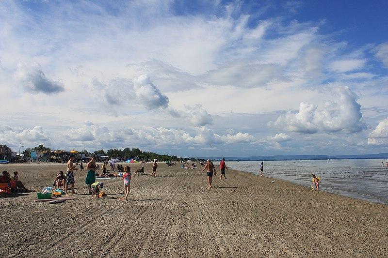 File:Wasaga Beach; Beach 1 (Main Beach).JPG