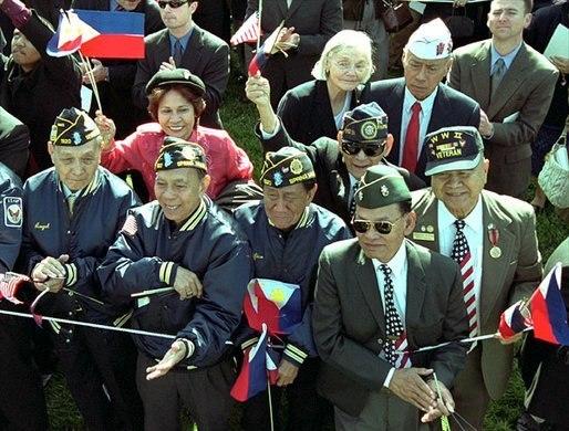World War II Filipino-American veterans White House May 2003