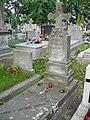 Zabytkowe groby na cmentarzu w Jazgarzewie k. Piaseczna (19).jpg