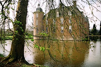 Slangenburg Castle - Image: Zijkantslangenburg