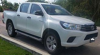 Toyota Hilux - Image: '16 Toyota Hilux Crew Cab