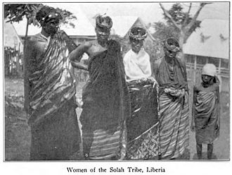 Gola people - Women from the Gola tribe. 1907