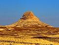 ( الجبال المنفردة). جبل طويل شهاق، شرق جرف الدراويش (الطريق الصحراوي) 30كلم، البادية الجنوبية، الاردن).jpg
