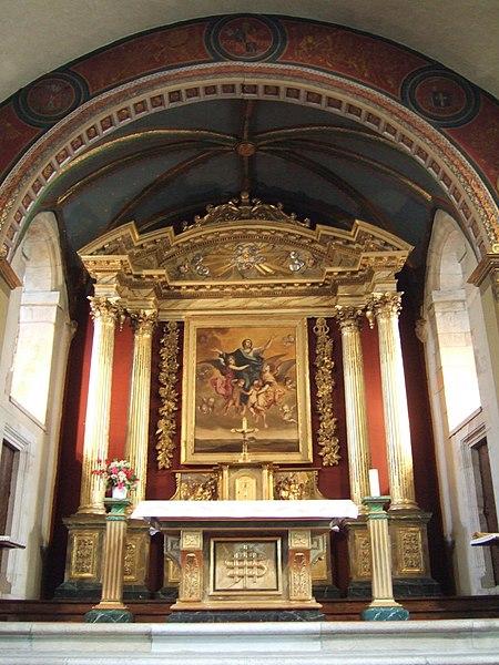 Décor intérieur de l'église Saint-Martin de Sare, dans les Pyrénées-Atlantiques.