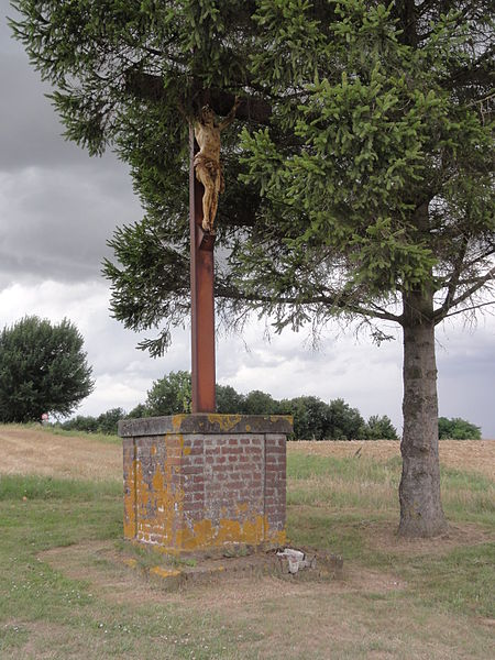 Étreillers (Aisne) croix de chemin A