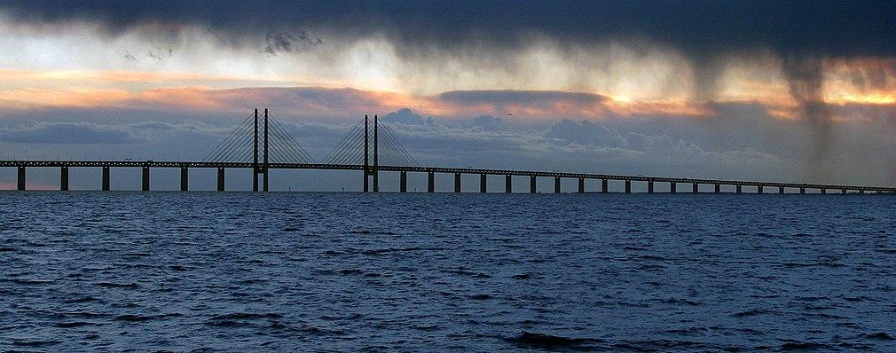 Öresundsbron från norr - Svenska sidan.jpg