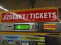 Želivského, automat na jízdenky mimo provoz.jpg