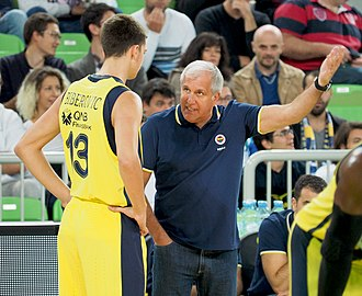 Željko Obradović - Željko Obradović talking to Tarik Biberović Fenerbahçe season 2017