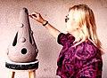 """За работой над декоративной вазой """"Капля"""". Элеонора Мандалян.jpg"""