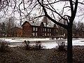 Здание школы ( Высоковск), в которой после войны учился И.В. Новожилов.jpg