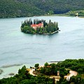 Остров Висовац с францисканским монастырём. Krka National Park, Croatia - panoramio.jpg