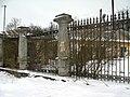 Тайцы, ограда.jpg