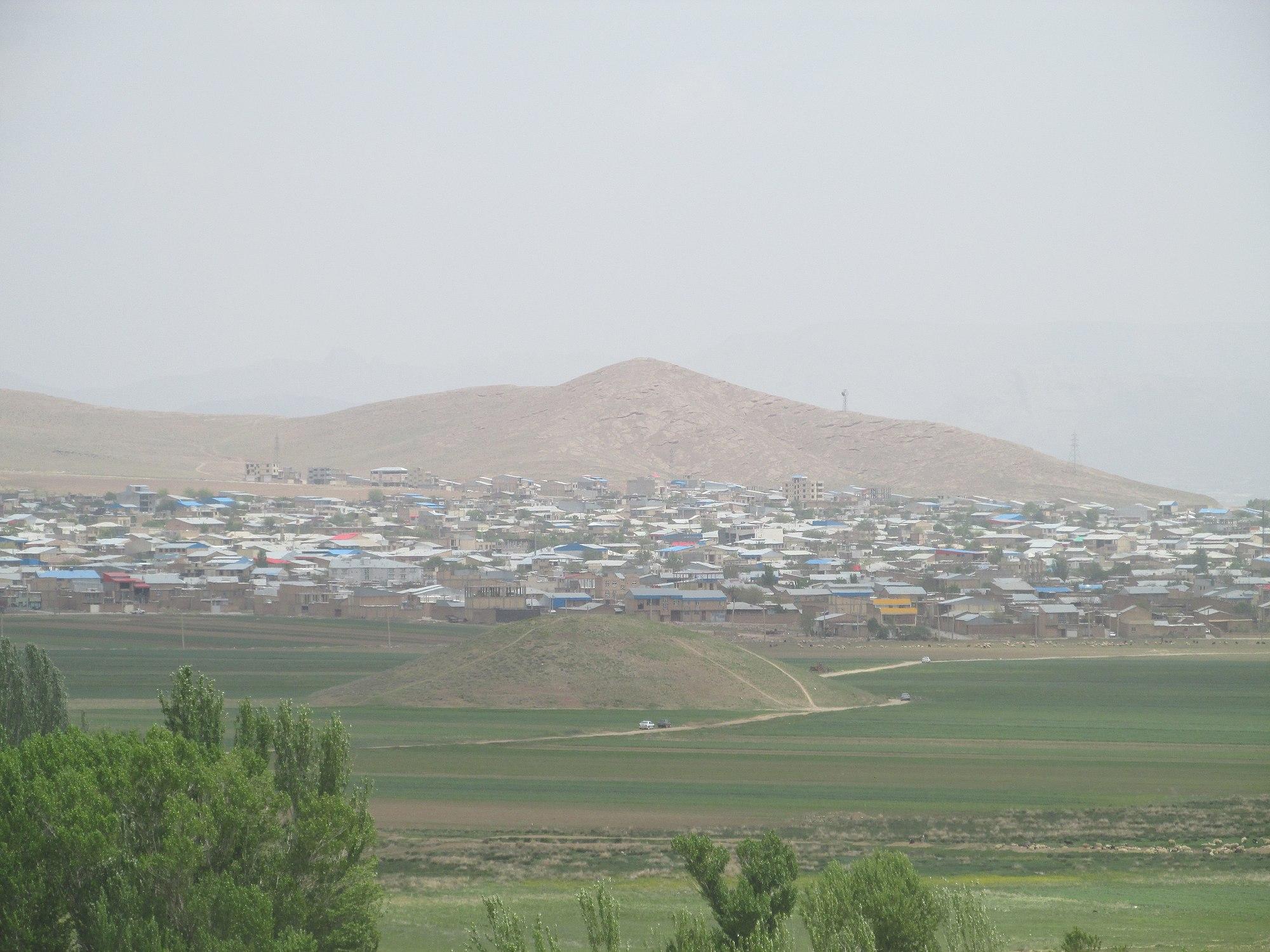 تپه اسکندری و تپههای اطراف آن