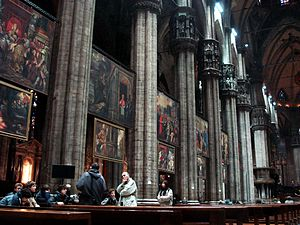 Quadroni of St. Charles - Quadroni in situ along the nave of the Cathedral of Milan